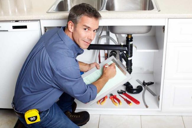 Установить кухонную сантехнику не сложно своими руками