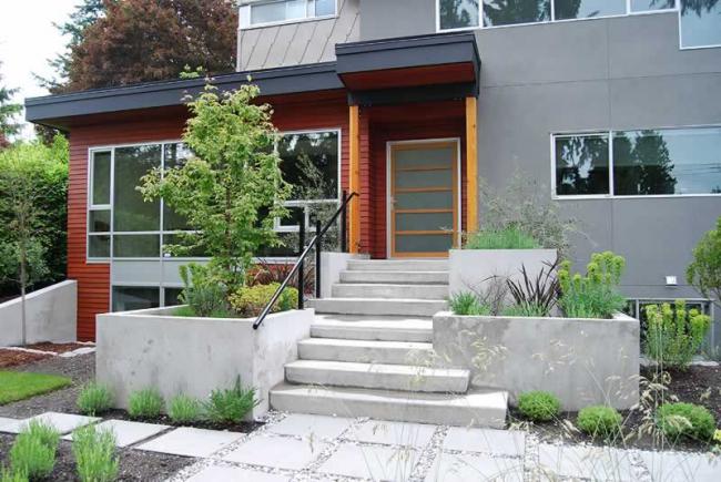 Оформление главного входа - ключевая часть экстерьера жилища