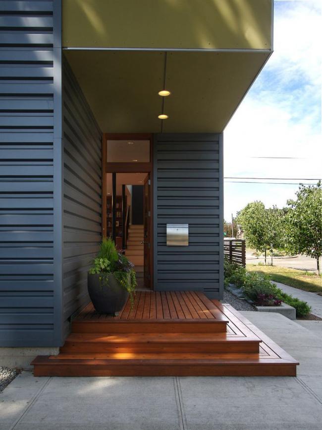 Использование одинаковых материалов в построении дома и крыльца
