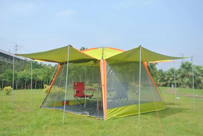 Готовая беседка в виде палатки с навесами и москитными сетками