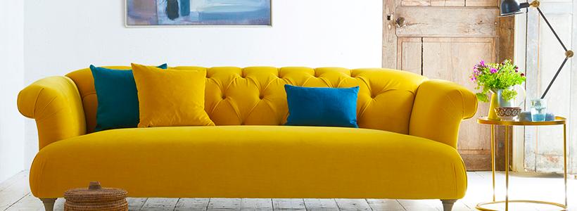 Чистый дом без хлопот: как почистить диван в домашних условиях?