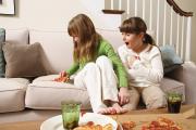 Фото 23 Чистый дом без хлопот: как быстро почистить диван от грязи, пятен и запаха в домашних условиях?