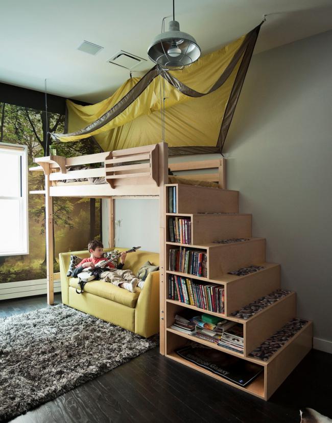 Раздвижной диван с системой хранения в детской комнате