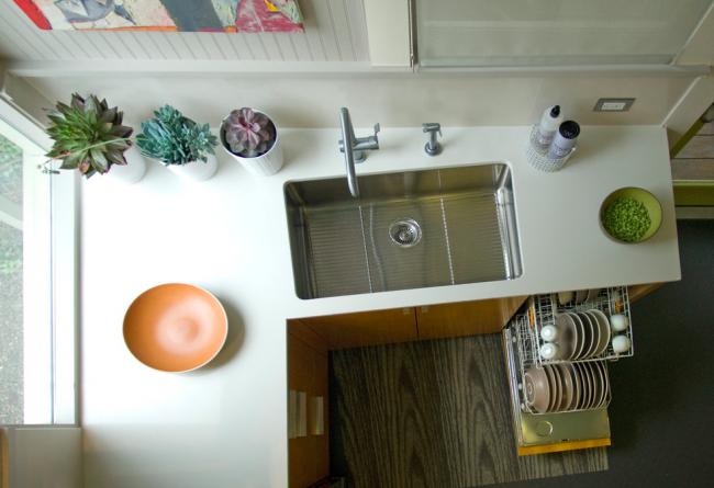 Минимум пространства вовсе не означает захламленность кухни