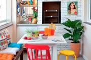 Фото 5 Дизайн кухни с выходом на балкон: лучшие идеи планировки, утепление и выбор функциональной мебели