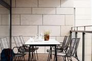 Фото 25 Дизайн кухни с выходом на балкон: лучшие идеи планировки, утепление и выбор функциональной мебели