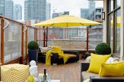Фото 28 Дизайн кухни с выходом на балкон: лучшие идеи планировки, утепление и выбор функциональной мебели