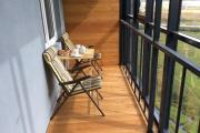 Фото 34 Дизайн кухни с выходом на балкон: лучшие идеи планировки, утепление и выбор функциональной мебели