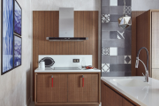 Фото 37 Дизайн кухни с выходом на балкон: лучшие идеи планировки, утепление и выбор функциональной мебели
