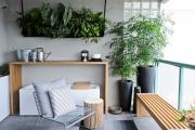 Фото 39 Дизайн кухни с выходом на балкон: лучшие идеи планировки, утепление и выбор функциональной мебели