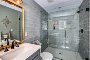 Фото 10 Дизайн ванной комнаты 5 кв. метров: 80+ стильных фотоидей для интерьера маленького санузла