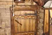 Фото 20 Парная в удовольствие: как выбрать правильные деревянные двери для бани?