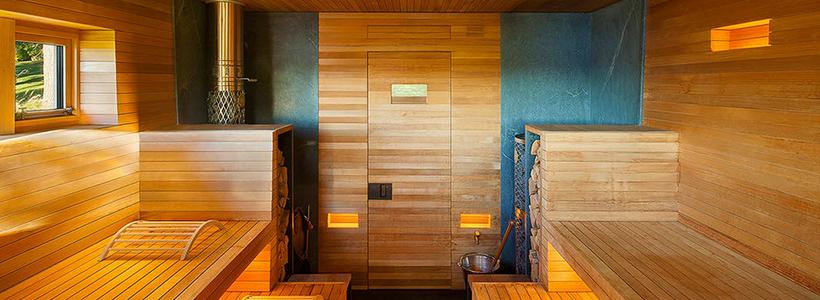 Парная в удовольствие: как выбрать правильные деревянные двери для бани?