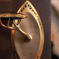 Дверные ручки для межкомнатных дверей: 65+ потрясающих дизайнерских моделей, конструкции и цены фото