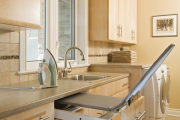 Фото 7 Гладильная доска, встроенная в шкаф: 60+ лучших идей для удобства и экономии места в доме