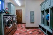 Фото 21 Гладильная доска, встроенная в шкаф: 60+ лучших идей для удобства и экономии места в доме
