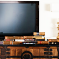 Как спрятать провода от телевизора на стене? Секреты, дизайнерские идеи и лайфхаки фото