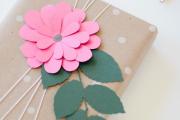 Фото 11 Как стильно упаковать подарок в подарочную бумагу (100+ пошаговых фотоидей): видео мастер-классы и советы