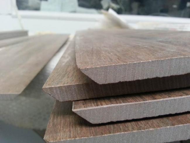 Керамогранитную плитку можно отличить по срезу