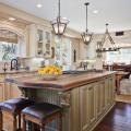 Светлые кухни с патиной: вневременная классика и 100+ избранных интерьерных сочетаний фото