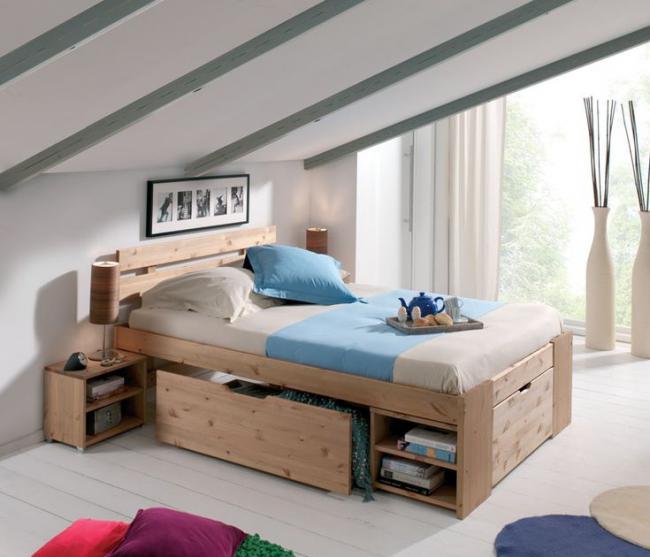 Небольшое спальное место может быть хранилищем для вещей