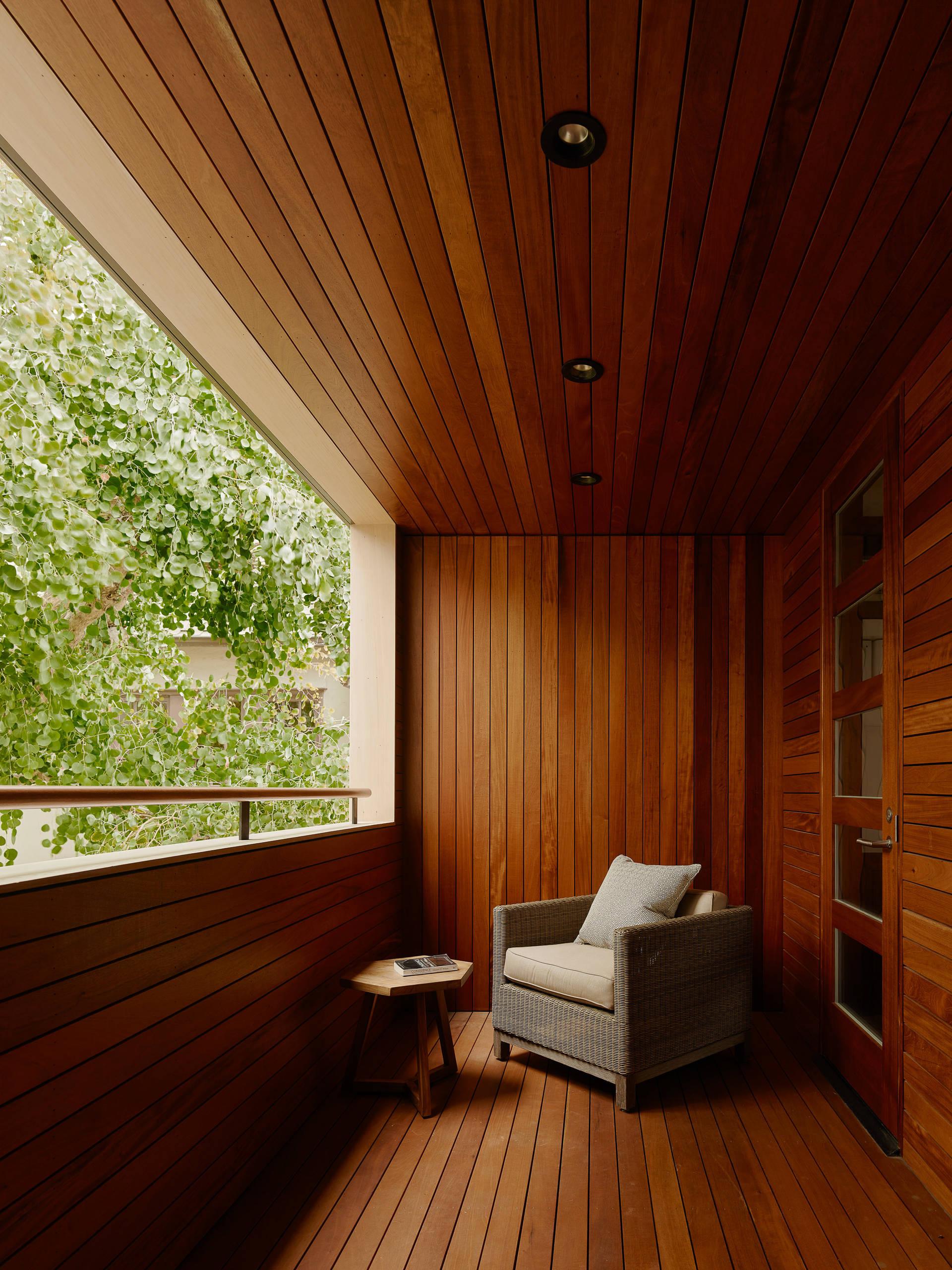 Современные панели для стен в интерьере: виды, дизайн, сочет.