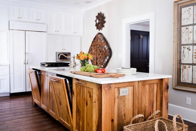 Модель, встроенная в остров современной кухни