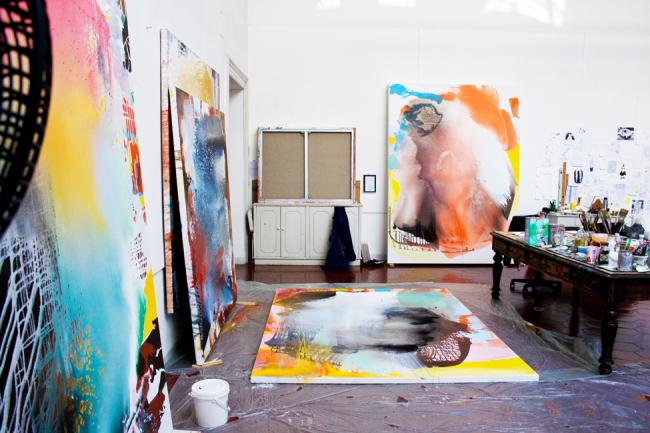Отдельная комната - это идеальный вариант создания художественной мастерской