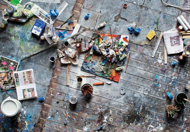 Даже в небольшой квартире можно обустроить комфортное рабочее место для занятия творчеством