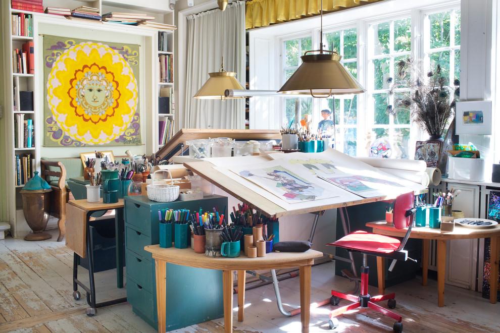 Рабочее место художника: как создать интерьер полноценной ст.