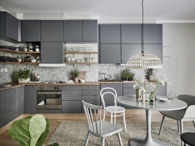Скандинавский функционализм в интерьере кухонного помещения