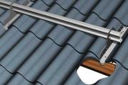 Фото 10 Готовимся к зиме правильно: как выбрать безопасные снегозадержатели на крышу?