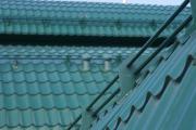 Фото 16 Готовимся к зиме правильно: как выбрать безопасные снегозадержатели на крышу?