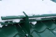 Фото 23 Готовимся к зиме правильно: как выбрать безопасные снегозадержатели на крышу?