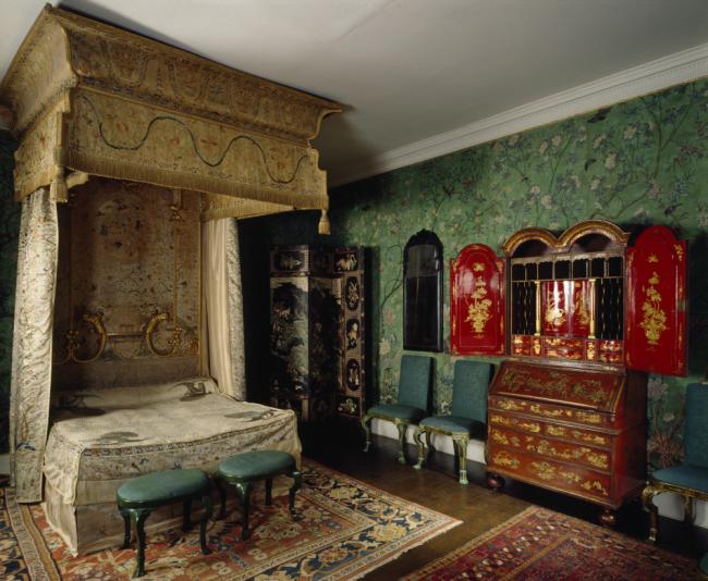 Буйство красок европейского интерьера в стиле шинуазри