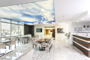 Фото 1 Полная иллюминация: что нужно знать о световых панелях на потолок? Конструкции, плюсы и минусы