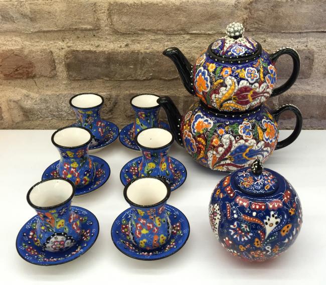 Изысканный керамический набор, сделанный вручную