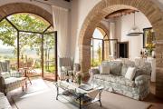 Фото 33 Под солнцем Тосканы: 60+ идей для роскошного интерьера гостиной в итальянском стиле