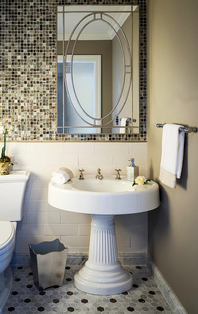 Яркий акцент для ванной комнаты - умывальник на ноге, что расширяется к низу