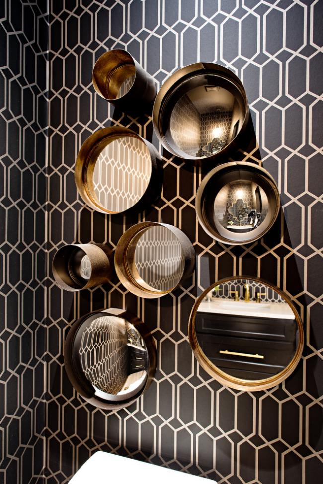 Декор стены с помощью зеркал