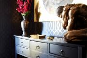 Фото 8 Тренд сезона — элегантный монохром (65 фото): подборка роскошных вариантов черных и темных обоев для интерьера