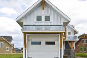 Фото 10 Фронтоны частных домов: виды конструкций, обшивка и варианты монтажа