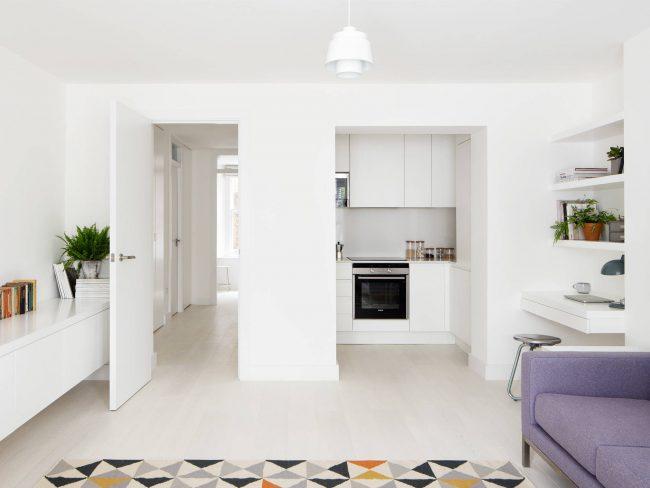 Белый - всегда останется классикой для малогабаритных квартир и студий