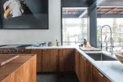 Фото 1 Кухни из массива дерева: советы по выбору и обзор лучших производителей от Leicht до Haecker