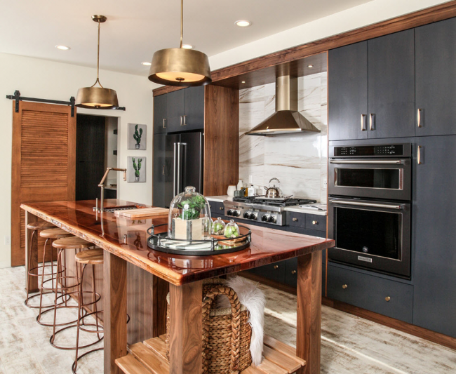 Отличная идея параллельной расстановки кухонной мебели