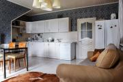 Фото 29 Две зоны и всего 14 кв. метров: создаем современный интерьер небольшой кухни-гостиной