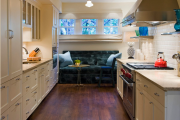 Фото 3 Дизайн кухни площадью 15 кв. метров с диваном: рекомендации дизайнеров и стильные идеи планировки
