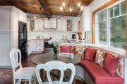 Фото 4 Дизайн кухни площадью 15 кв. метров с диваном: рекомендации дизайнеров и стильные идеи планировки