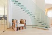 Фото 18 Лестницы из стекла: все, что нужно знать о монтаже и эксплуатации