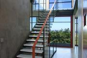 Фото 22 Лестницы из стекла: все, что нужно знать о монтаже и эксплуатации